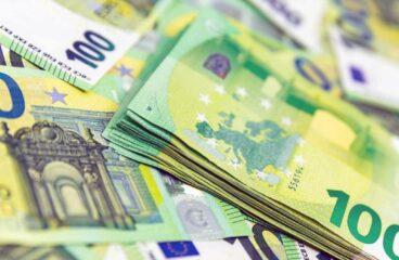 Deutsche sparen in der Krise